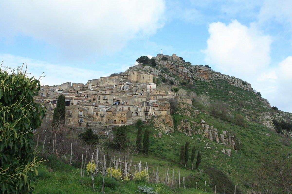 La-rocca-con_il_Castello_imm_in_evid